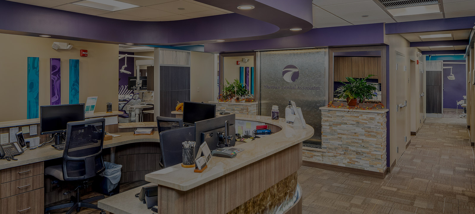 Theroux Dental clinician desk